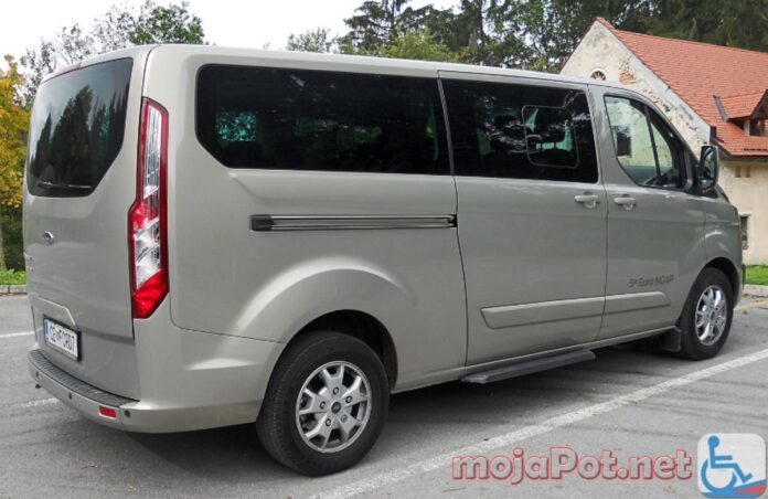 Ford Tourneo Custom 2,2 TDCi Limited